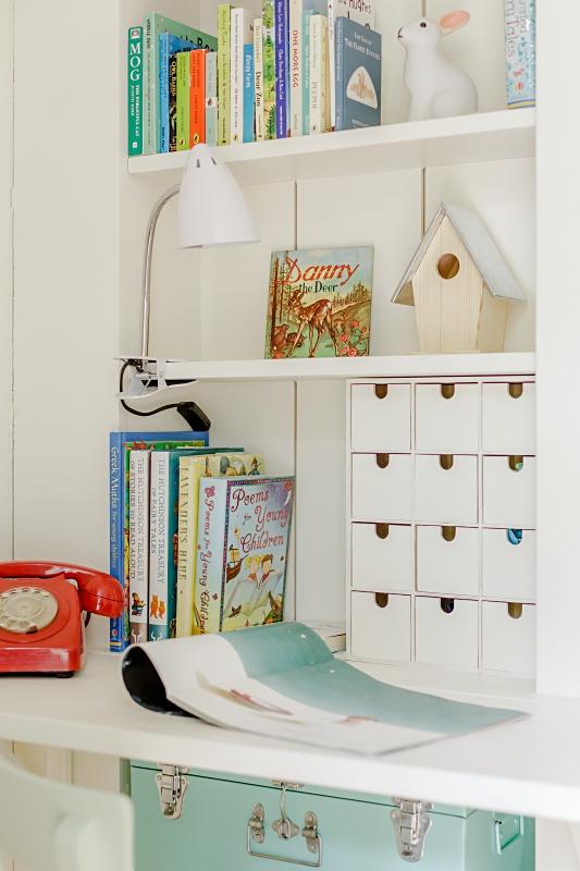 Deconi os aprovechar espacios dif ciles en su habitaci n - Aprovechar espacio habitacion pequena ...