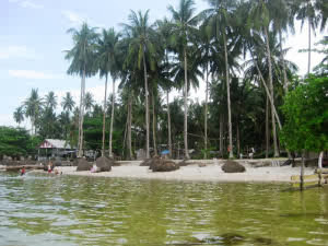 Pantai Maimun, Pantai maimun ini berlokasi di Kampung Melayu Batam