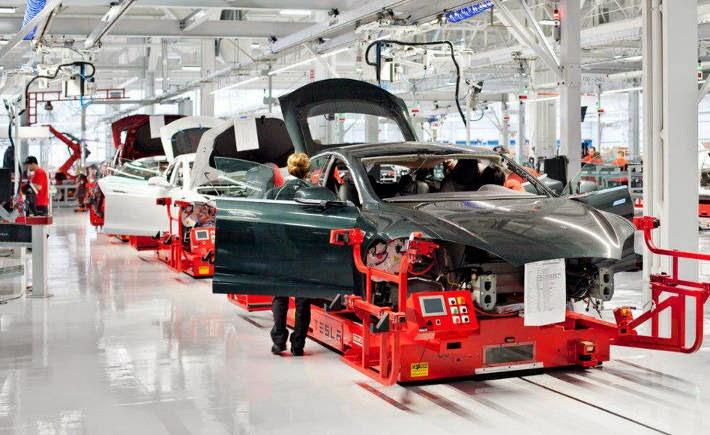 Tesla Motors es la automotriz mejor colocada entre las empresas más innovadoras según BCG, al subir 34 lugares para colocarse en el lugar 7. (Foto: Tesla Motors)