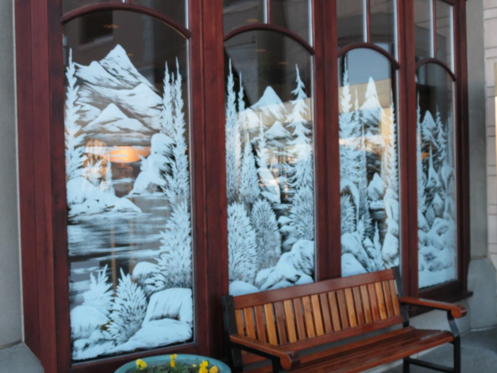 Destination Mike: Christmas Window Paintings