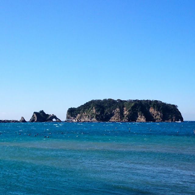 勝山 浮島