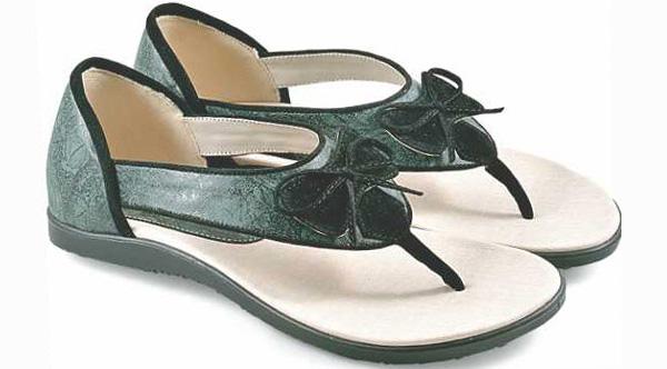 Model sepatu sandal elizabeth layak dipertimbangkan untuk dibeli sebagai  penunjang penampilan dengan harga yang murah juga cocok buat yang suka  berbisnis ... 646d68a9b6