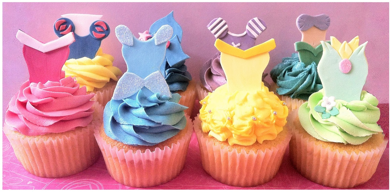 Needlessto Say Mini Mousey LOVED The Cupcakes She Looked So Chuffed