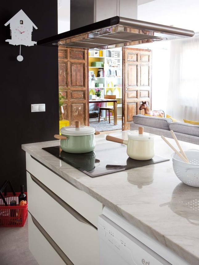 Detalle cocina casa nórdica mediterránea
