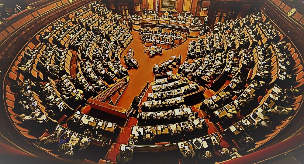 Il parlamento e il potere legislativo della repubblica for Numero parlamentari italia