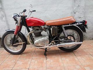 Dijual Motor Tua bsa a65, tahun 1965,650cc,np,siap pakai harga 85jt hub 082218901234