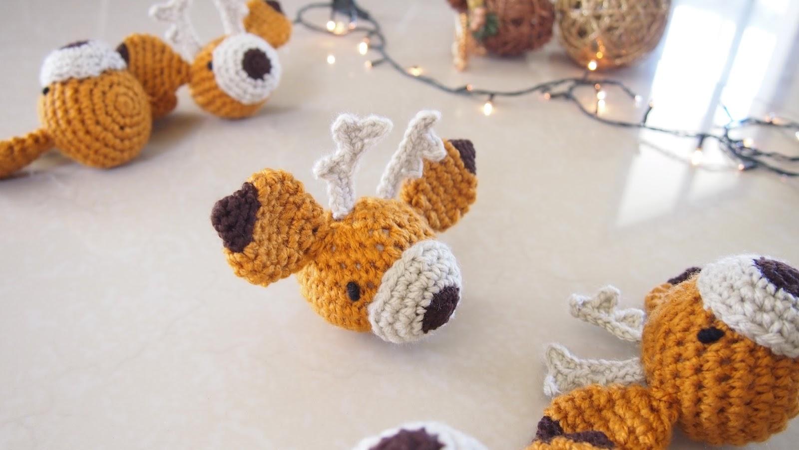 sol de noche deco crochet christmas reindeer ornaments. Black Bedroom Furniture Sets. Home Design Ideas