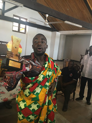 Paramount Chief Of Cape Coast Congratulates Teephlow On His VGMA Win As He Commands 1,000 On The Streets