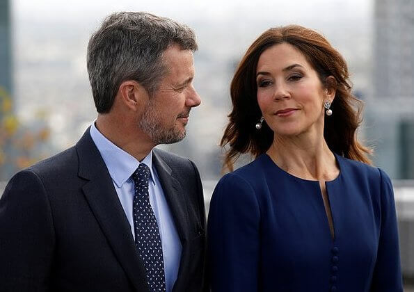 Crown Prince Frederik and Crown Princess Mary arrived in Paris together with a large Danish business delegation