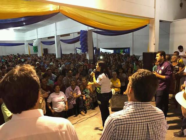 Prefeita Joelma Campos em ato político contrariando seu partido