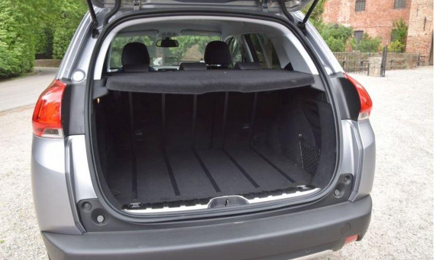 Capacità serbatoio Peugeot 2008