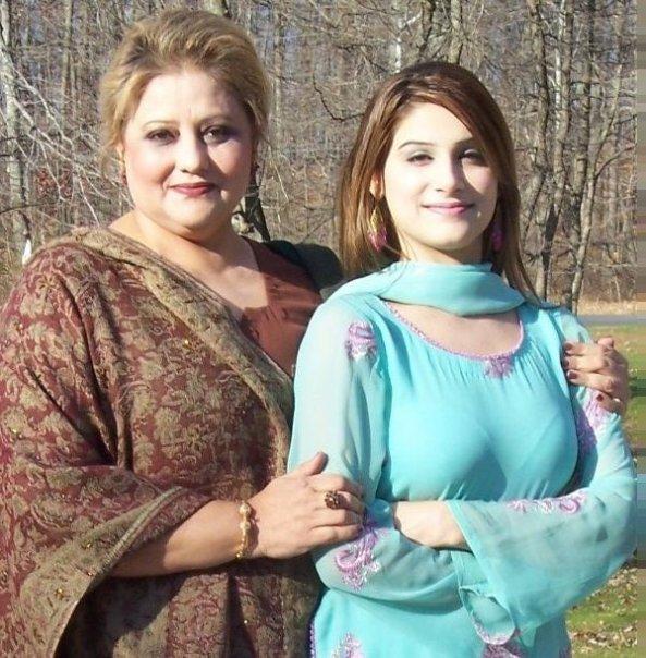 Hot Girls From Pakistan, India And All World Pakistani Hot Aunty Photos-8790