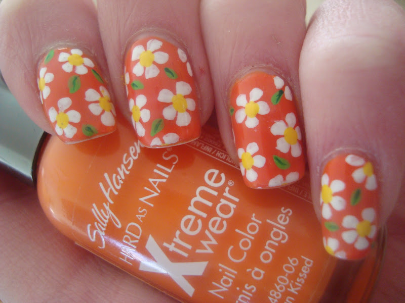 Daisy nail art ideas wednesday may 24 2017 prinsesfo Image collections