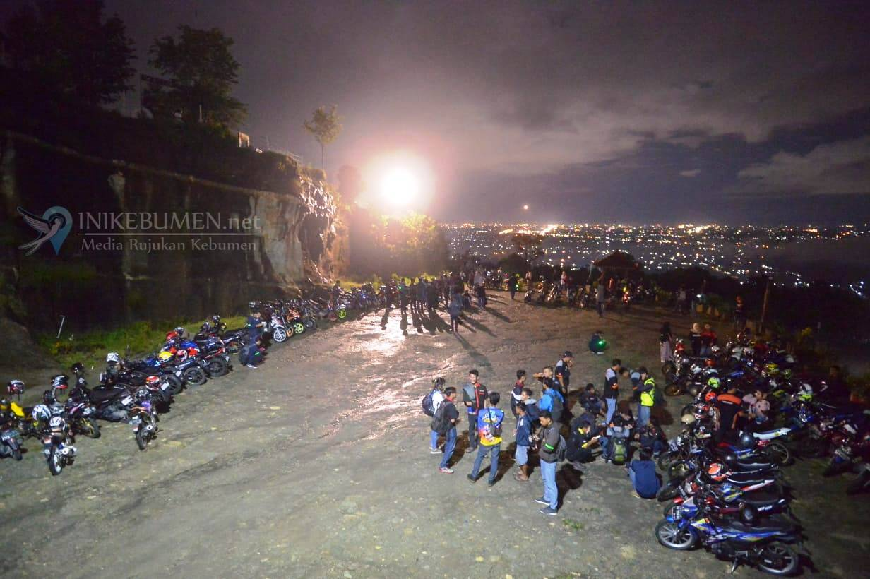 Ratusan Bikers Meriahkan Suzuki Saturday Night Ride di Jogja