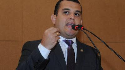 Alex Lima rebate críticas da oposição e diz que aprovação de Rui foi dada nas urnas
