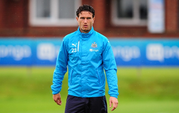 Watford sign Daryl Janmaat from Newcastle United