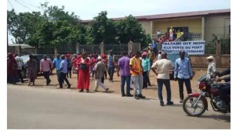 Guinée : Conakry, les syndicats dispersés par des coups de gaz lacrymogène 1