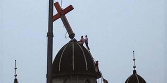 Pemerintah Tiongkok Larang Simbol Salib di Atap Gereja