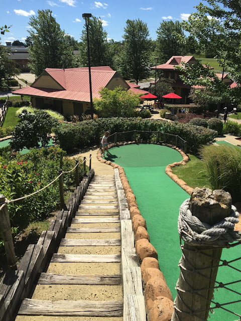 Congo River Adventure Mini Golf in Hoffman Estates