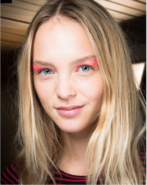 Tendance maquillage pour le trait d'eyeliner graphique - Blog beauté Les Mousquetettes