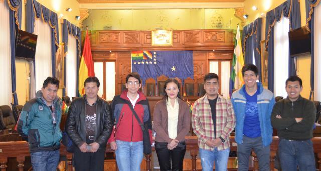 Estudiantes de la carrera de ingeniería de sonido de la UNITEPC