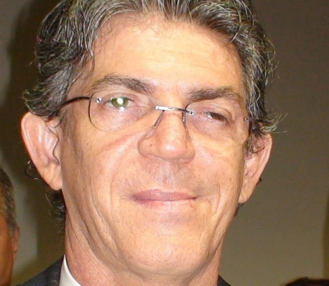 Ações que pedem a cassação de Ricardo devem ser julgadas em agosto no TSE e no TRE