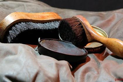 Cara Membersihkan Berbagai Jenis Sepatu Supaya tidak Pudar