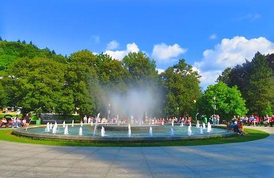 Grająca fontanna na Deptaku Krynickim.