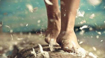 marcher-sur-des-plumes-legerete