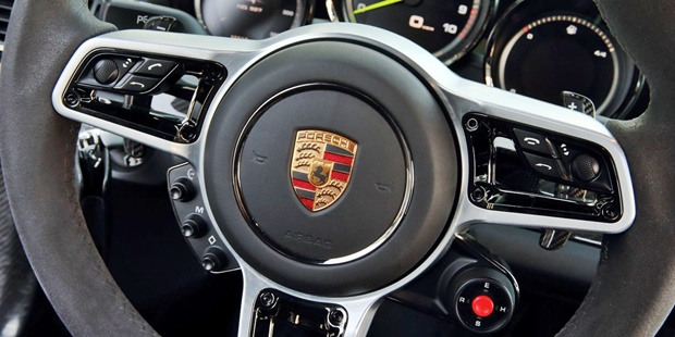 2018 Porsche 918 Spyder Review
