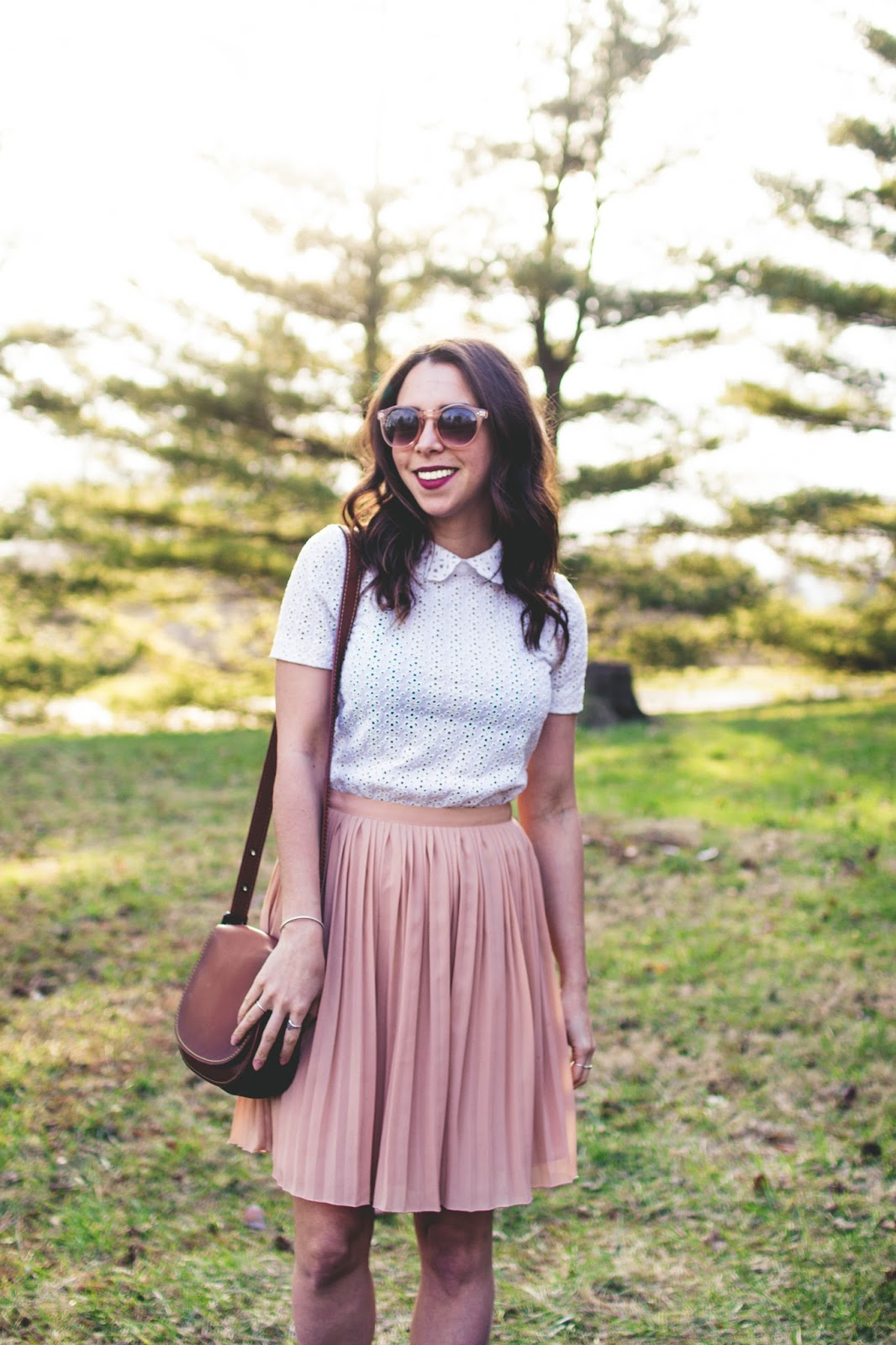 pleated-skirt-eyelet-top-style-dc-blogger-avizastyle-andrea-viza