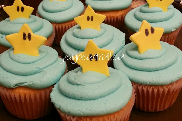 Mario themed cupcakes with buttercream and fondant