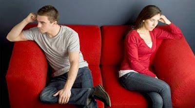 10 أسباب مختلفة قد تؤدي إلى انفصال الرجل عن شريكته ,رجل امرأة الطلاق الانفصال قطع العلاقة حزينة حزين man woman girl sad break up divorce