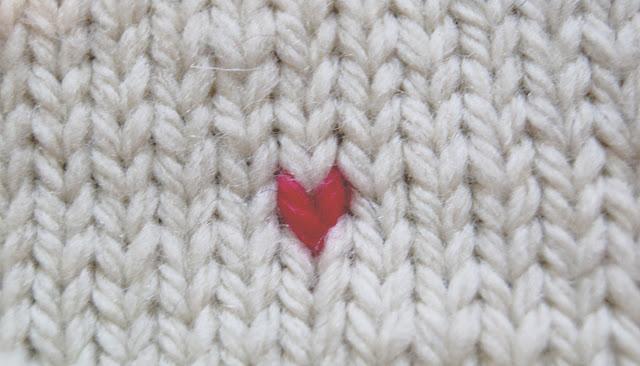 Résultat d'une maille brodée sur un tricot