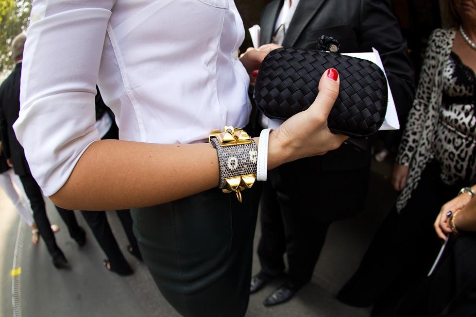 Hermes Collier De Chien Bracelet Street Style