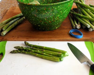 How to remove the woody ends from asparagus. Bend, bend, snap! Bend, bend, snap!