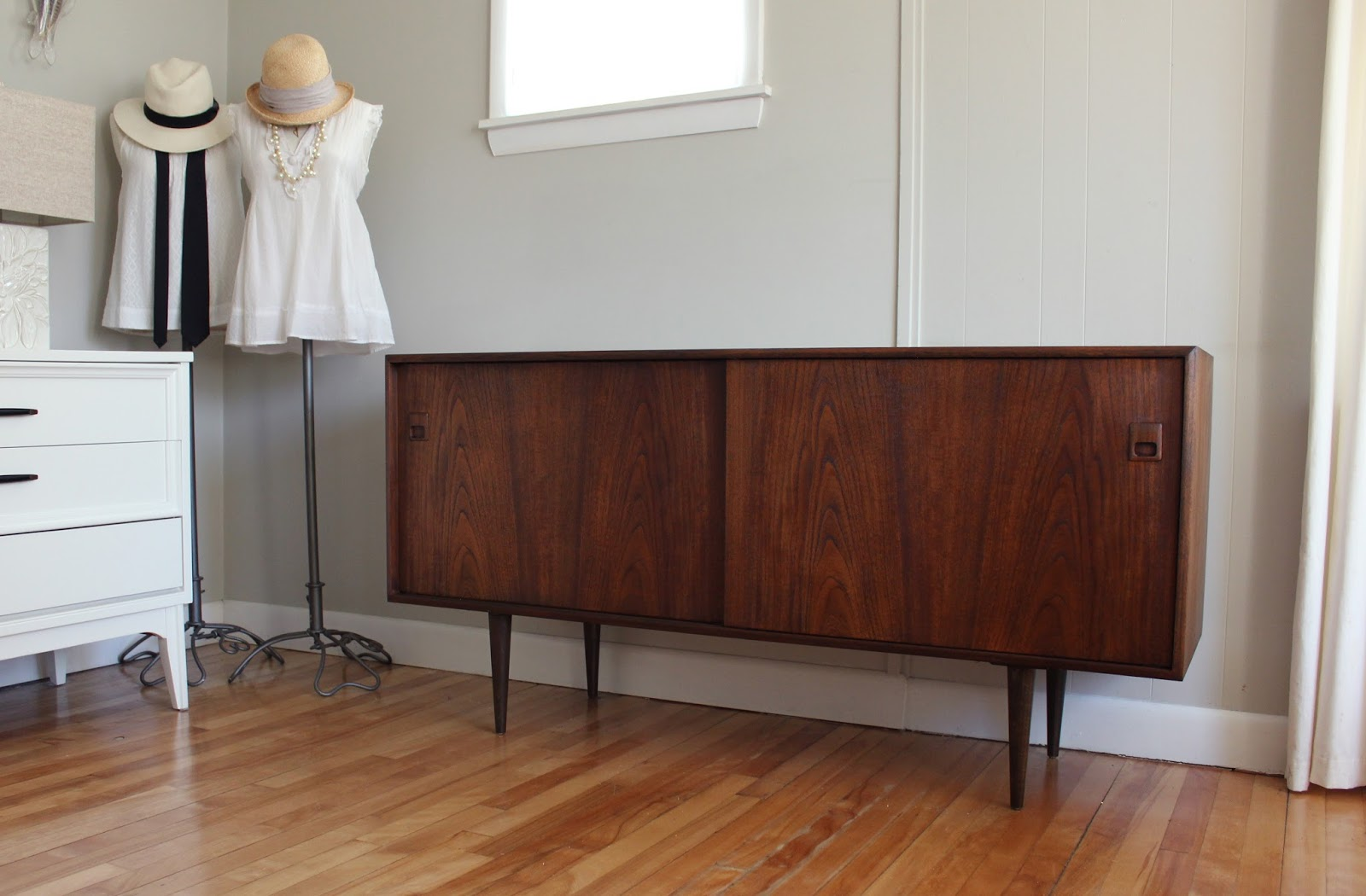 Credenza Console : Modern tv credenza contemporary mid century stand within