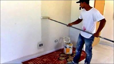 pintura da parede com rolo
