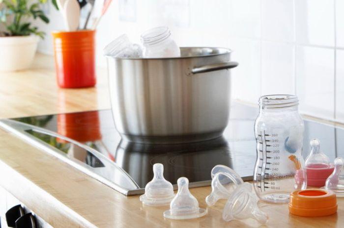 Cara Mencuci Botol Susu yang Kusam dan Menguning