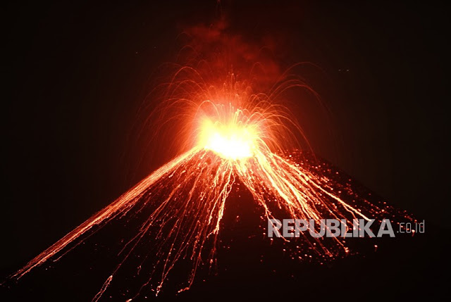 Gunung Anak Krakatau Alami 40 Kali Kegempaan Letusan