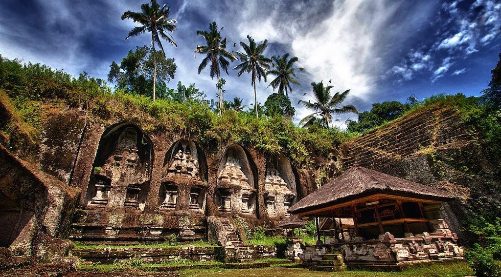 foto grafi wisata di Gunung Kawi