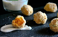 http://cookalifebymaevaen.blogspot.fr/2016/01/oven-baked-pumpkin-croquettes-vegan.html
