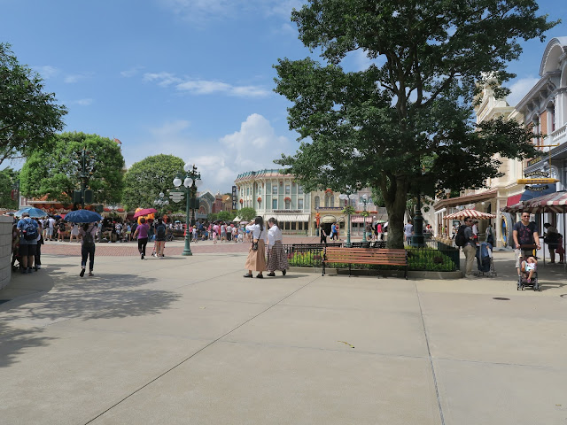 first view after admission, Hong kong disneyland