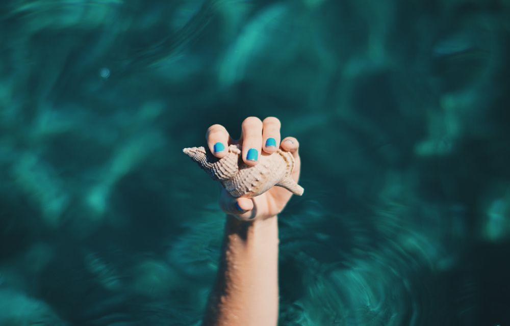 esmalte-unas-playa-cosméticos-verano-2017