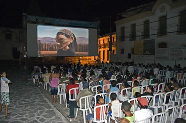 Projeto ajuda na interiorização do cinema