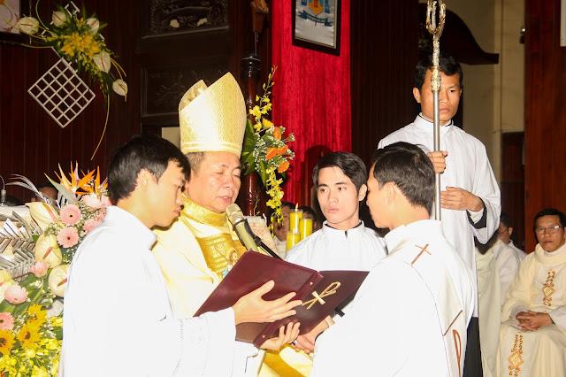 Lễ truyền chức Phó tế và Linh mục tại Giáo phận Lạng Sơn Cao Bằng 27.12.2017 - Ảnh minh hoạ 117