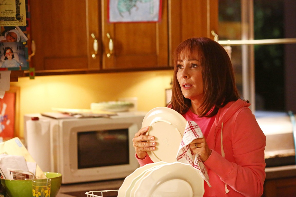 The Middle - Season 6 Episode 06: The Sinkhole