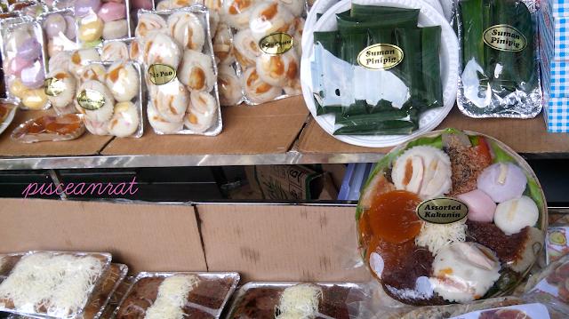 Bibingka, kakanin, suman, puto (sweet rice cakes)