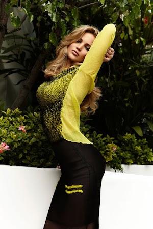 Giggling Jennifer Lawrence Cuts a Laidback Figure on Girls'