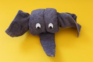 DIY-Basteltipp für einen Handtuch-Origami-Elefanten von Ars Vera